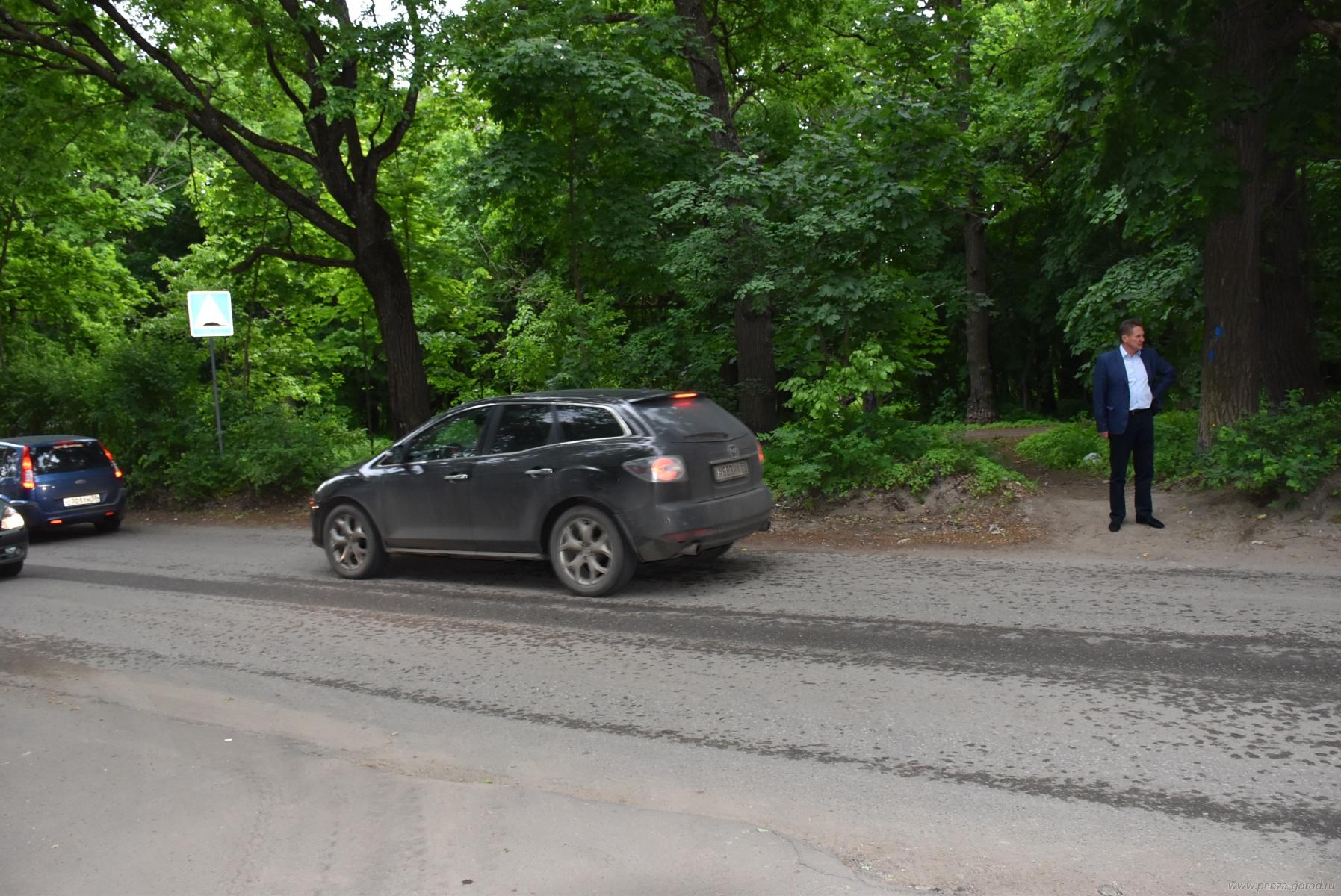 ВПензе наулице Попова обустроят 60 парковочных мест