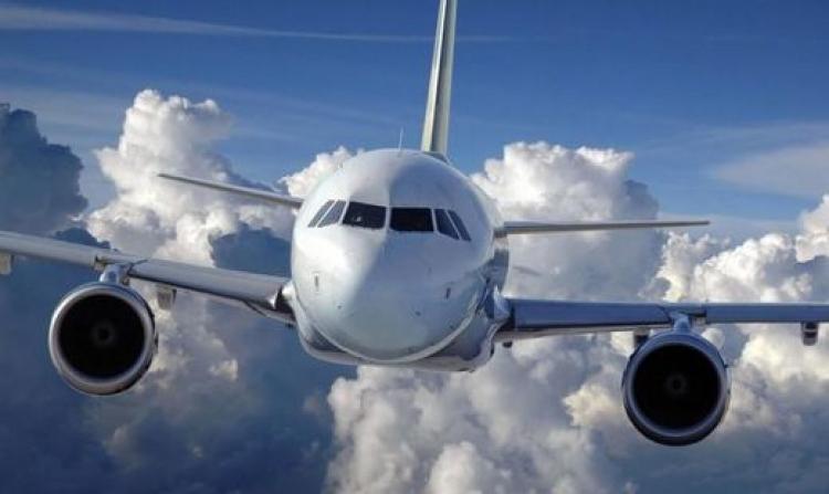 Пассажиры «Саратовских авиалиний» пару часов отказывались покидать самолет назадержанном рейсе