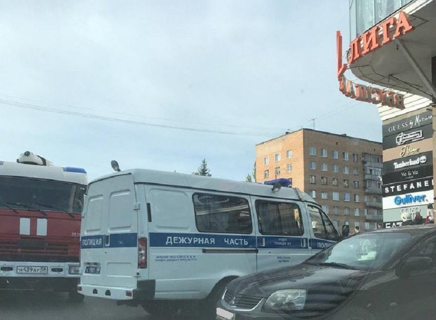 ВПензе экстренно эвакуировали гостей иперсоналТЦ «Коллаж»