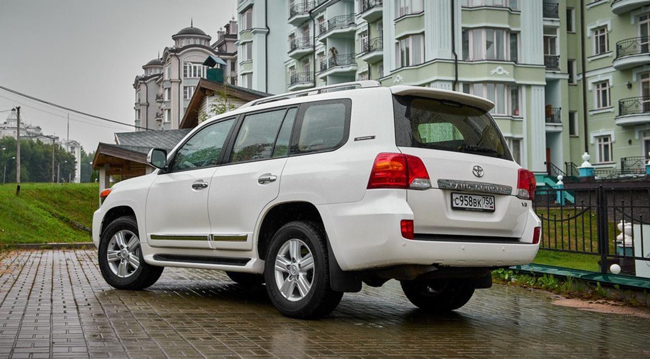 Тойота обновит вседорожный автомобиль Land Cruiser