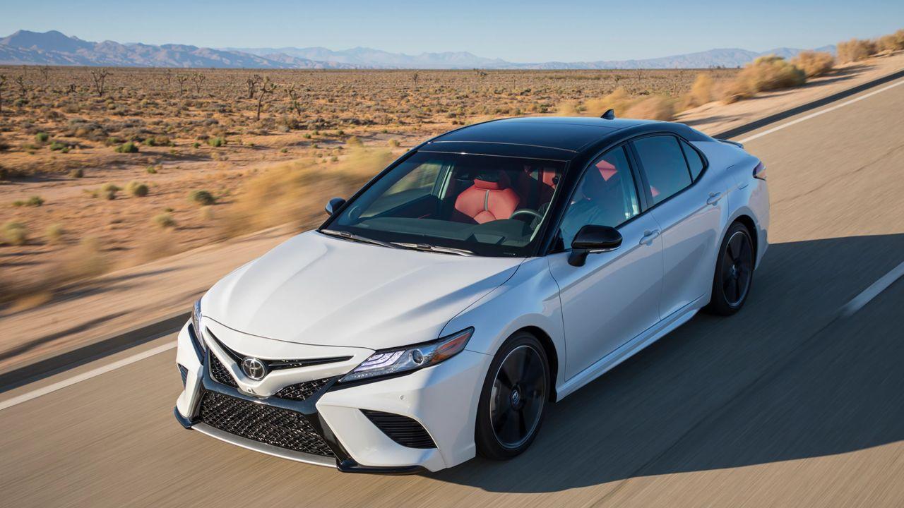 Из-за падения спроса Тойота хочет уменьшить производство седана Camry