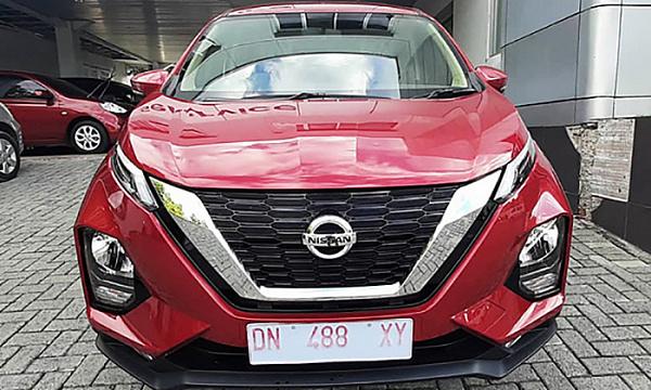 Новый Nissan Juke с огромными колесами «поймали» на тестах