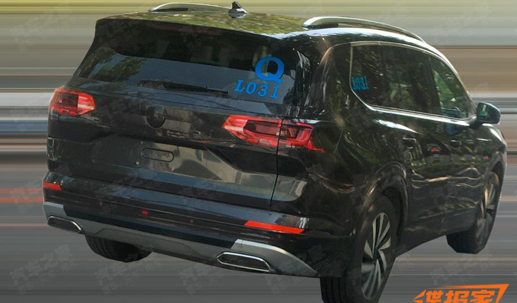 Самый габаритный паркетник Volkswagen продемонстрировали на фото