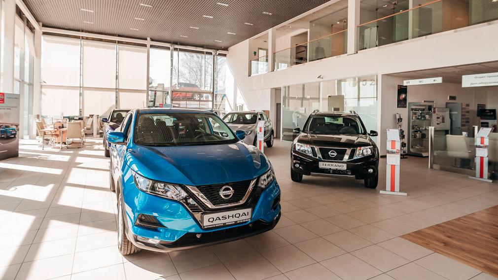 Во второй половине июля 10 брендов переписали цены на свои авто