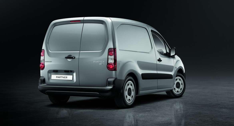 Peugeot (Пежо) планирует производить вРФ фургон Partner обновленного поколения