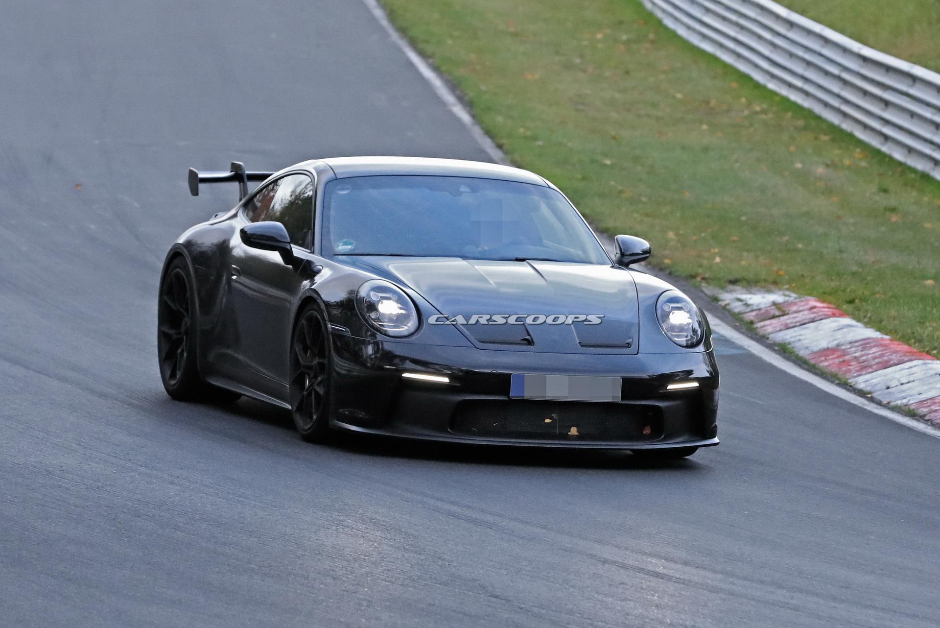 Новый Porsche 911 GT3 полностью лишился камуфляжа. Фото